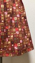 画像3: ハンドメイドギャザースカート【チョコレート柄・赤系・68c丈】 (3)