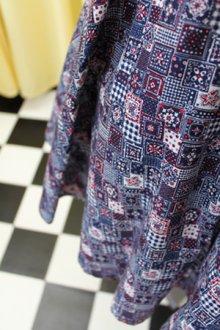 他の写真1: ハンドメイドサーキュラースカート ちいさなバンダナ柄(紺)
